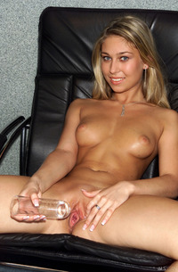 Cute Blond Leona Fisting And Toying