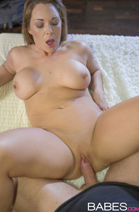 Victoria Summers Enjoys Dick In Pussy