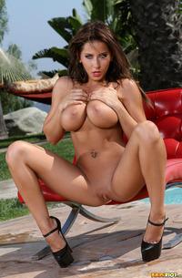 Hot Milf Bikini Babe Madison Ivy