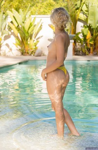 Sexy Young Babe Goldie Stripping Bikini
