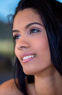 Black-haired Beauty Karmen Bella