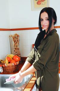 Brunette Sultana Cooking Nude