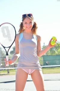 Aurora - Tennis Fetish