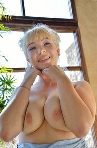 Teen Rachel With Delicious Hole
