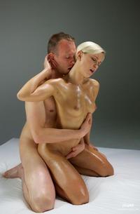 Lara - Orgasmic Oil Massage