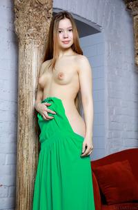 Ravishing Russian Babe Dakota Looks Gorgeous