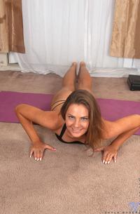 Shyla Ryder - Home Workout