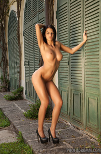Glamour Tanned Model Sophie