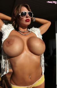 Brandy Robbins - Incredible Size