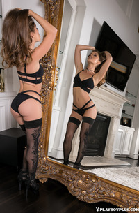 Babe Melissa Lori In Stockings