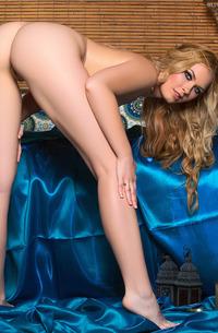 MILF Blond Bailey Rayne
