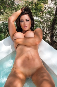 Mexican Babe Stefanie Knight Swimming