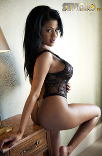 Slutty Ebony Babe Sophia Lares