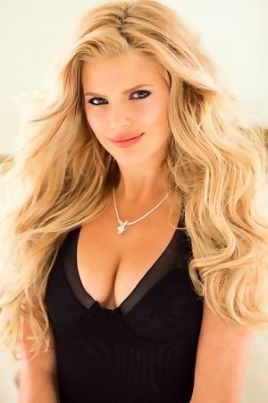 Stephanie Branton Hot Pictures