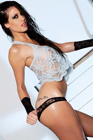 Ice Beauty Tiffany Thompson