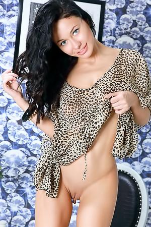 Sexy Brunette Teen Mila M