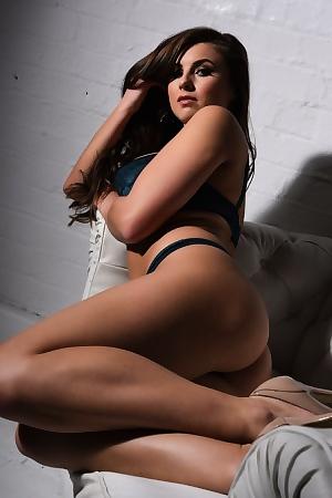 Sarah McDonald Hd Babe