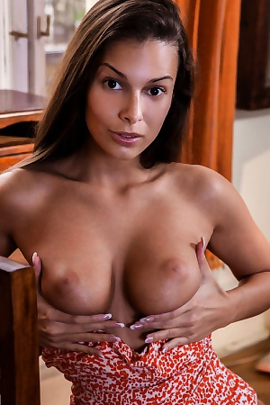 Lia Taylor Presents Her Big Tits
