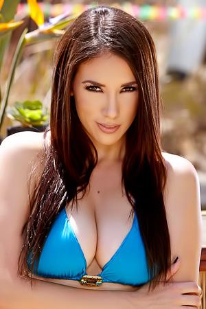Busty Bikini Babe Jelena Jensen