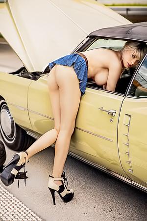 Olga Niedzielska - Car Play