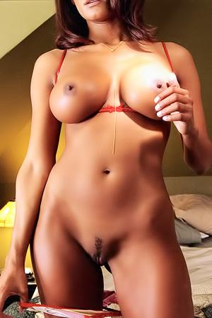 Latina busty Dorothy Teixeira