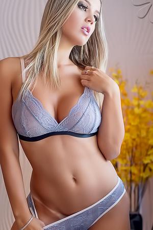 Glamour Vanessa Vailatti