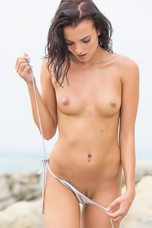 Skinny Sapphira