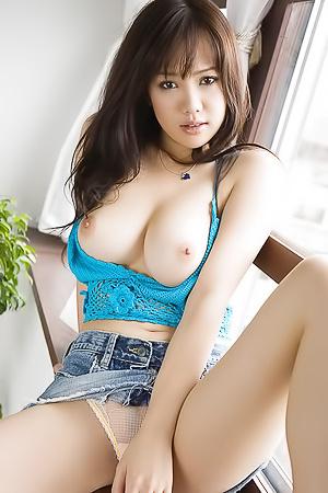 Busty japanese Mai Nadasaka