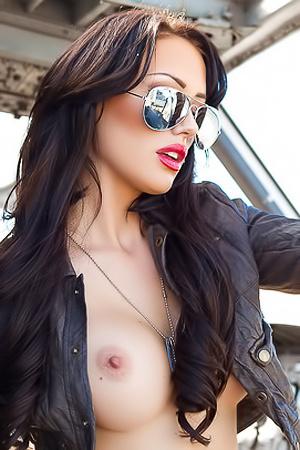 Alyssa Bennet - naked sexy pilot