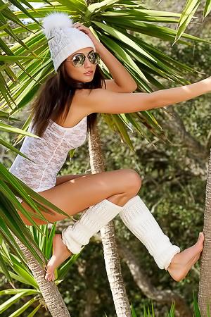 Michaela Isizzu - paradise photos