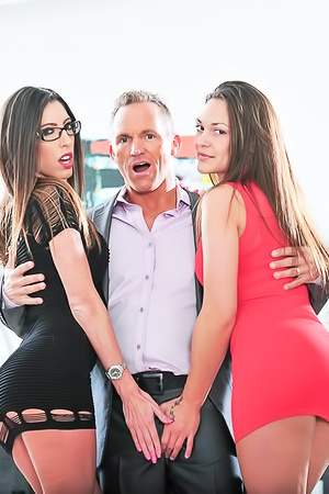 Olivia Wilder is in horny 3some game