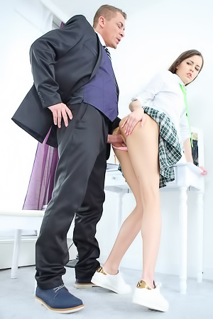 Cindy Shine is fucking with her tutor
