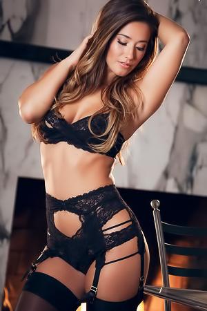glamour hairy babe Eva Lovia