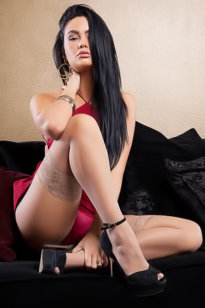 Fantastic Beauty Babe Kristie Taylor