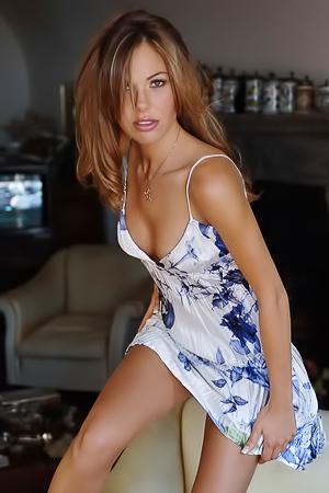 Hot model Ilary Blasi