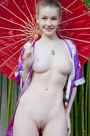 Emily Bloom - young naked geisha