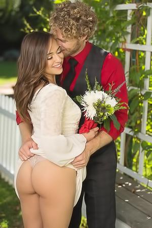 Sara Luvv - porn date