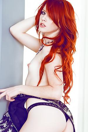 Best redhead babe Elle Alexandra