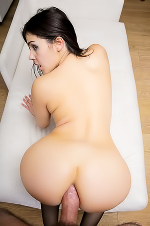 Valentina Nappi - tight ass penetration