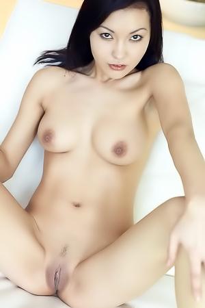 Accubito - hot naked asian brunette