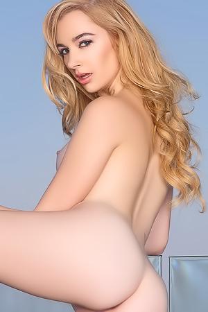 Ivy Jones and her amazing ass