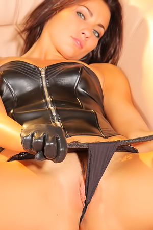 Mistress Michaela Isizzu in latex