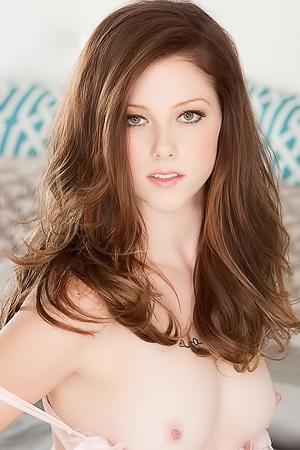 sexy lady Shae Snow