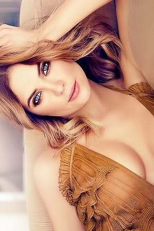 Glamour celeb Ashley Benson