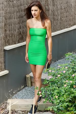 Sexy nude Candice Luka