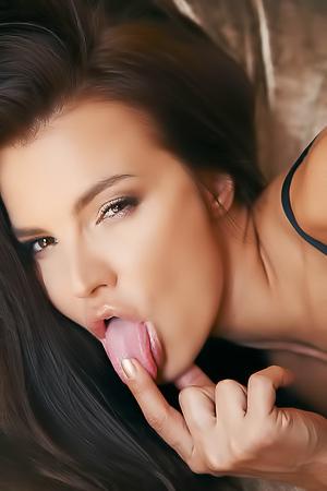 Horny Suzie Carina fingering