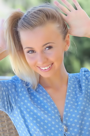 Funny blond teen Linda Chase