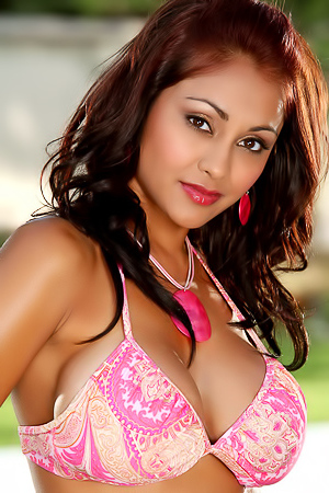 Priya Rai shows exotic boobs