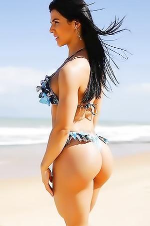 Curvaceous bikini-models
