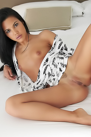 Young sexy brunette Apolonia